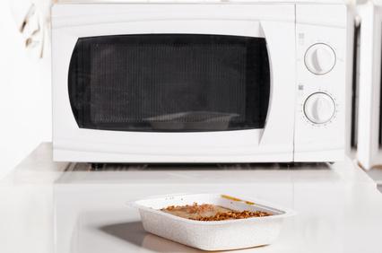 essen aus der mikrowelle ungesund und sch dlich. Black Bedroom Furniture Sets. Home Design Ideas