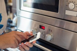 Mikrowelle über App steuern